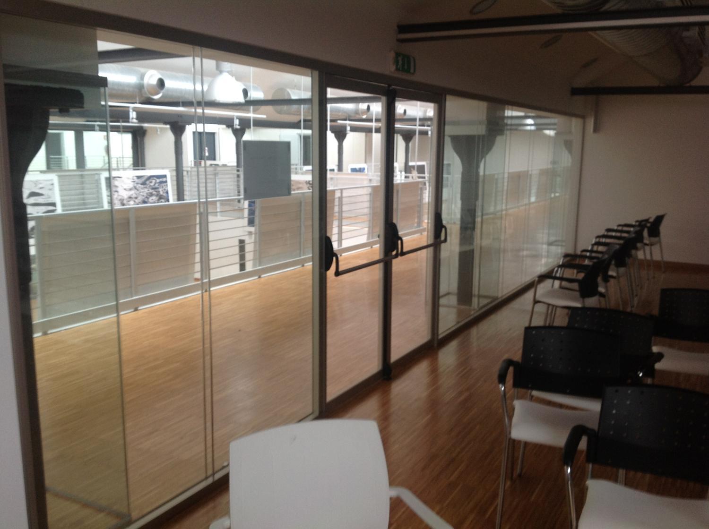 Galli Mobili per Uffici - sala conferenze   Realizzazioni